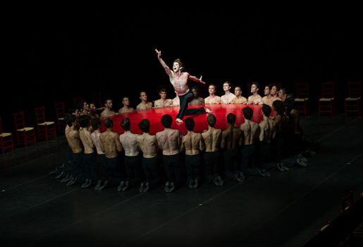 Béjart Ballet Lausanne : Tous les hommes presque toujours s'imaginent / Brel et Barbara / Boléro